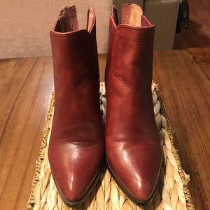 Halogen Burgundy ankle leather boots